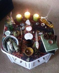 ゝ。Inspired Altar Lღvely-ness.。Artist Unknown