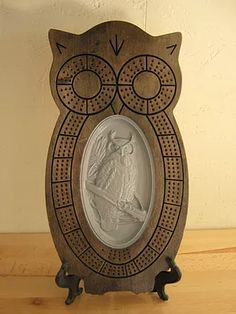 Custom Wood Carved Themed Cribbage Boards, Carved Wood Wall Hangings, Wine Barrel Decor, Home décor, Customized orders welcome Wood Burning Crafts, Wood Crafts, Unique Woodworking, Woodworking Projects, Transfer Images To Wood, Cnc, Board Games, Game Boards, Cribbage Board