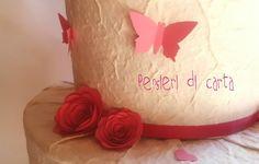 Farfalle e rose