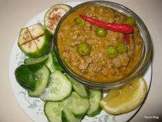 A great food blog with tons of Cambodian recipes!  Love this dish Prohok Khtis - Ground Pork with Coconut Milk.