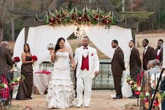 #redwedding #outdoorwedding #recessionalidea #weddingphotoidea #weddinggown #whitesuit #castlewedding #thesterlingcastle