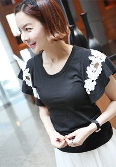 Simple T-Shirt with Laced Butterfly Sleeves  SFSELFAA0014041
