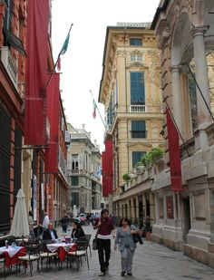 Genoa, Italy / Génova, Italia.  Go to www.YourTravelVideos.com or just click on photo for home videos and much more on sites like this.