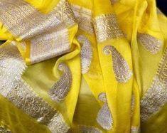 Silk Saree Banarasi, Kora Silk Sarees, Indian Silk Sarees, Chiffon Saree, Saree Dress, Cotton Saree, Organza Saree, Saree Blouse Patterns, Saree Blouse Designs