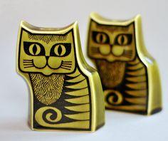 Hornsea cat cruet John Clappison design for the innovative North-Eastern pottery company in England, 1960's.
