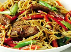 Chow Mein, Chow Chow, Asian Recipes, Ethnic Recipes, Wok, Japchae, Food And Drink, Beef, Fresh