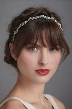 Messy HairStyle Added With A Thin Jeweled Headband - skinny headband hairstyles headband hairstyles for long hair Wedding Hairstyles For Long Hair, Wedding Hair And Makeup, Bridal Makeup, Wedding Bangs, Hair Wedding, Wedding Veils, Headband Hairstyles, Hairstyles With Bangs, Pretty Hairstyles