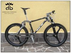 Zoom in (real dimensions: 900 x Gt Bikes, Bicycle Components, Cool Bicycles, Bicycle Design, Cycling Outfit, Skateboards, Bike Life, Mountain Biking, Spin