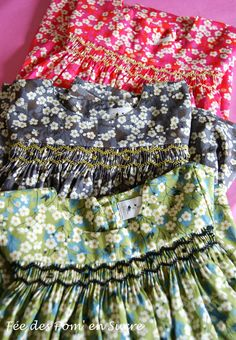 No pattern but gorgeous. Smocking Baby, Smocking Patterns, Smocked Baby Dresses, Smocks, Frocks For Girls, Liberty Fabric, Heirloom Sewing, Smock Dress, Sewing Clothes