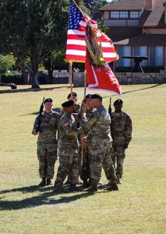 Fort Huachuca, Arizona -- Lt. Col. Kevin Reeves assumed command of the 40th Expeditionary Signal Battalion Oct. 21 during an assumption of command ceremony on Brown Parade Field.