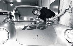 The Little bastard, Porsche 555 spyder of James Dean. Old Hollywood Actors, Classic Hollywood, Carrera, Jochen Rindt, James Dean Photos, Porsche 550, Porsche Sports Car, Jimmy Dean, Bw Photography