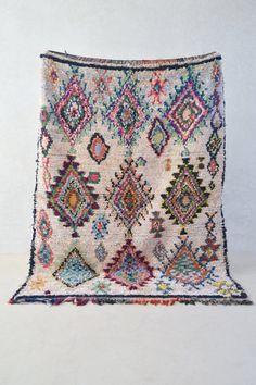 BOUCHEROUITE. Tapis marocain vintage. Tapis par theboucherouiteshop