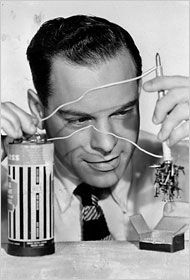 Don Herbert, 'Mr. Wizard' to Science Buffs, around 1955.