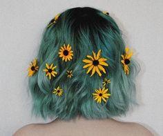 Imagem de hair, flowers, and grunge