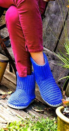 tejidos artesanales en crochet: bota tejida en crochet con suela de goma
