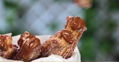 Recipe with video instructions: Turns out churros are even more irresistible stuffed with dulce de leche. Ingredients: 1 cup of water, ½ cups of milk, 1 small splash of corn oil, 1 pinch of salt, 1 cup of flour or wheat flour Mexican Food Recipes, Sweet Recipes, Dessert Recipes, Salad Recipes, Cake Recipes, Churro Rezept, Good Food, Yummy Food, Tasty Videos