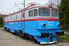 Train Tracks, Locomotive, Electric, Display Stands, Trains, Romania, Locs
