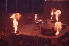 Kiss Photo, Vintage Kiss, Kiss Band, Hot Band, Gene Simmons, Nfl Football, Demons, Black Metal, Sweden