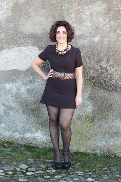 curvy women and mini skirt