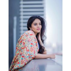 Sreemukhi Latest Photoshoot Photo and Still Hollywood Actress Photos, Hollywood Heroines, Tamil Actress Photos, Bollywood Cinema, Bollywood Photos, Sonam Kapoor, Deepika Padukone, Girl Photo Poses, Girl Photos