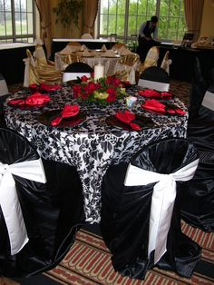 Red, White And Black Table U0026 Chair Setting Part 77
