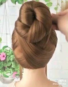 Hairdo For Long Hair, Bun Hairstyles For Long Hair, Hair Up Styles, Medium Hair Styles, Hair Style Vedio, Bridal Hair Buns, Braided Ponytail Hairstyles, Hair Videos, Hair Hacks