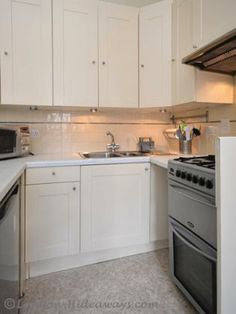 Kitchen facilities - Fridge, Microwave Oven Gas burners, Percolator ,Kettle ,Hob ,fan Toaster, Dinnerware and cookware provided Gas Oven, Microwave Oven, Furnished Apartments, One Bedroom Apartment, Bloomsbury, Toaster, Cookware, Kettle, Dinnerware