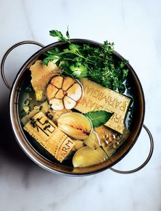 Parmesan rind broth: Use this rich and versatile broth in vegetable soups, instant-supper pastas, such as Capellini en Brodo, and beans in need of a boost. Cooking Tips, Cooking Recipes, Cooking Pasta, Parmesan Rind, Paleo, Slow Food, Biryani, Soup And Salad, Chutney