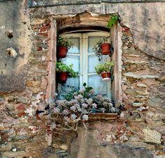 окно со ставнями с цветами: 16 тыс изображений найдено в Яндекс.Картинках