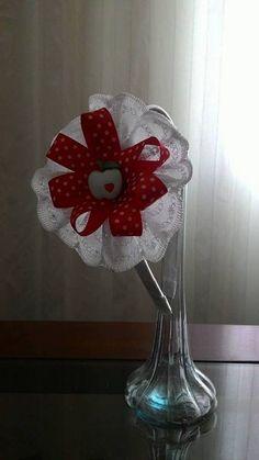 Perola de Bebe _ Linda tiara infantil , laco de cetim decorado com botao infantil_ 20,00 _ Whatzap 33 991372720