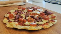 Hawaiian Pizza, Vegetable Pizza, Pepperoni, Good Food, Food And Drink, Baking, Vegetables, Interesting Recipes, Kitchen