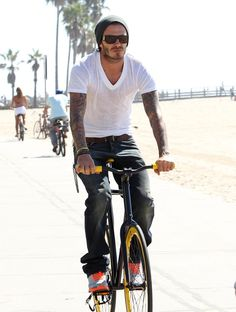 David Beckham is fixed gear rider.