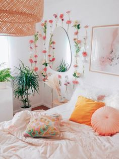 Flower power 🌸🌸🌸 Made a flower wall in the bedroom with artificial flow… – Room Inspo✨ Cute Room Ideas, Cute Room Decor, Flower Room Decor, Bedroom Flowers, Cheap Room Decor, Bedroom Plants, Cheap Bedroom Ideas, Floral Bedroom Decor, Nature Bedroom