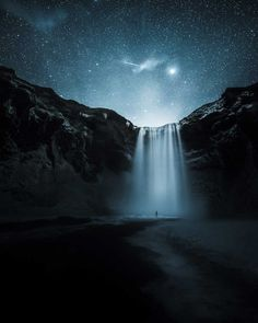 Cold Shower. Finland. Photography. Landscapes. Sci-fi. Art by Finnish photographer Mikko Lagerstedt >> https://www.adaptnetwork.com/photography/self-taught-photographer-finland-haunting-beauty-unique-nightscapes/