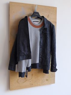 STARBEIT Sweater im Farbmix und Leinenjacke.
