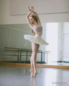 Marvelous Portraits of Ballerinas by Lindsay Thomas #inspiration #photography