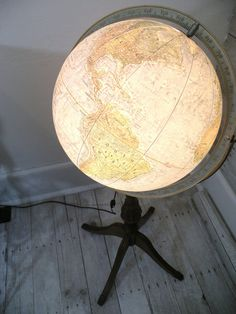 vintage globe lamp   so great!!