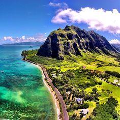 One of the most scenic drives on the island. #opticalhi#808drone#kualoa#eastside#hawaii#chinamanshat#drones#dronesetc#dronefly#dji#djivisionary#djiphantom#aerialphotography#luckywelivehawaii#mountains#ocean#paradise