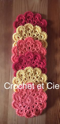 6 dessous de verre - Un grand marché Crochet Necklace, Crochet Coaster, Crochet Collar