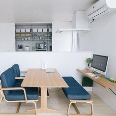 ダイニングテーブルと壁側のPCスペースの間には、背もたれ付きの椅子ではなくベンチソファを置くことで空間をうまく活用できますね奥に見えるキッチンも#無印良品 のグッズを活用することで統一感がありとっても素敵です☺️ @sora_muji_house さんの素敵な1枚です♪ --------------------------------------------------- シンプルホーム公式アカウントでは、みなさんのシンプルで洗練されたお部屋や暮らしのアイデアを毎日ご紹介しています✨ ・ 『 #シンプルホーム 』をつけて投稿いただいた中から素敵なお写真をご紹介していますので、ぜひ投稿してみてくださいね --------------------------------------------------- #緑のあるスタイル #シンプルライフ #シンプルな暮らし #シンプルインテリア #日々の暮らし #日々のこと #暮らしを楽しむ #おうち時間 #持たない暮らし #ライフスタイル #マイホーム #家 #キッチン #リビング #ダイニング #玄関 #収納 #整理整頓 #片...