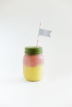 Stoplight Mango Green Smoothie #homemade #recipes #smoothie