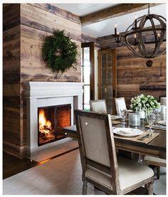 49 Cozy Modern Farmhouse Dining Room Design Ideas - Page 11 of 49 - Best Living Room Style At Home, St Style, Home Fashion, Wood Plank Walls, Planked Walls, Wood Planks, Wood Paneling, White Wood Walls, Barn Wood Walls