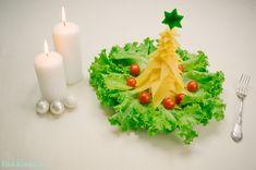 Cheese Christmas Tree http://www.handimania.com/cooking/cheese-christmas-tree.html