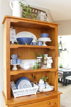 Summer decor ideas and hutch styling. / #homedecor #summerdecor #shelfstyling #hutch