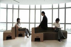Flexible Love: Muebles hechos con papel reciclado