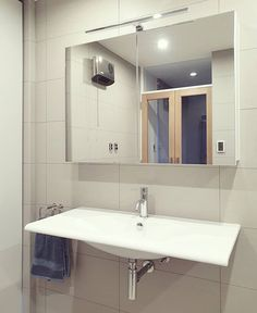 30 Quick and Easy Bathroom Decorating Ideas Double Doors, White Oak, Basin, Slim, Mirror, Bathroom, Architecture, House Styles, Don't Forget