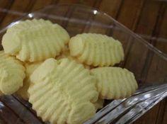 Biscoito de Amido de Milho - Veja mais em: http://www.cybercook.com.br/receita-de-biscoito-de-amido-de-milho.html?codigo=110082