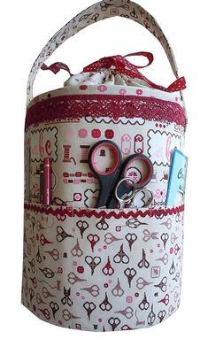 35 Purses And Handbags Diy Inspiration inspiration sewing tote purses totes clutches Source: website cycled large jean purse inspiration. Diy Handbag, Diy Purse, Fabric Crafts, Sewing Crafts, Sewing Projects, Sewing Box, Love Sewing, Sewing Kits, Diy Bags Purses