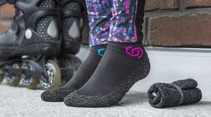 「靴みたいに耐久性がある靴下」「靴下みたいに軽い靴」どちらもあったら嬉しい機能ですが、シカゴのスタートアップ企業が開発したのは、まさにそんな1足。「S...