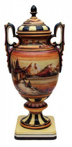 Espetacular e antiga ânfora gigante em porcelana brasileira.